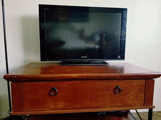 Flat screen tv with Netflix