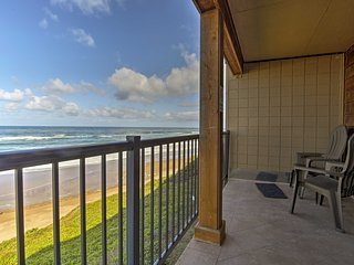NEW! Lincoln City Condo-Pool & Direct Beach Access
