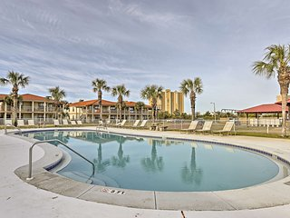 Panama City Beach Resort Condo-Walk to the Ocean!