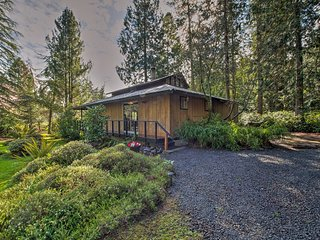 NEW! Sequim Bay Garden-View Cabin w/Expansive Deck