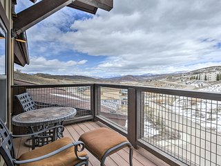 Cozy Granby Resort Condo - Steps to Ski Lifts!