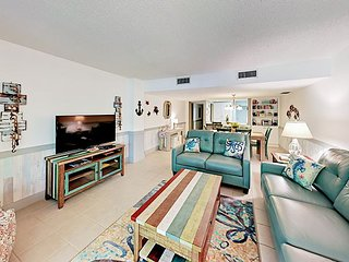Updated Beachfront 2BR w/ 2 Balconies + Pool, Grill & Courtyard