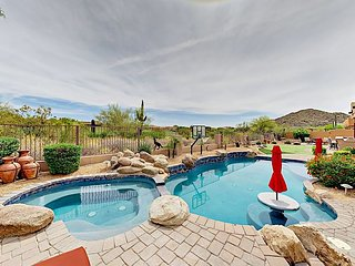 4BR Las Sendas Retreat on Golf Course - Private Pool, Fire Pit & Putting Gree