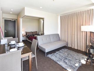 2BR Quadrant Suites in Auckland Central