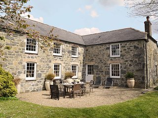 Bonython Farmhouse - Holiday Cottages in Cornwall