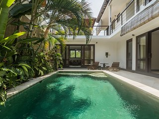 The Joy Villa Close to Seminyak