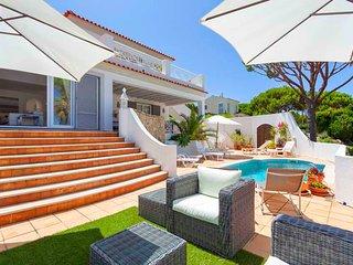 4 bedroom Villa in Vale do Lobo, Faro, Portugal : ref 5607951