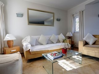 Vale do Lobo Villa Sleeps 4 with Air Con and WiFi - 5480297