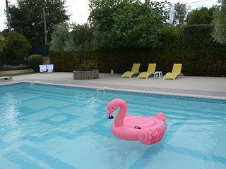 ONE OF THE BEST VILLAS IN SAINT TROPEZ -POOL- AIR COND.GARDEN-PARKING-4 STARS.