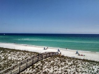 Beach Front Condo - at Emerald Surf on Navarre Beach !