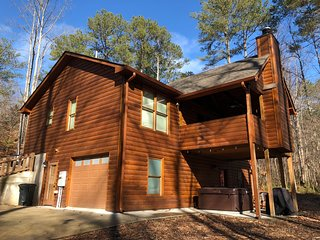 Ledger Creek Cabin, creekside, hot tub, pool table, outdoor fireplace, luxurious