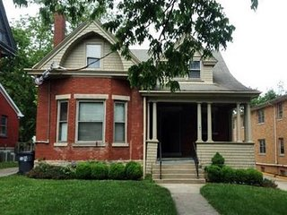 Cool 1908 Bungalow on Woodland Ave Downtown Lexington KY! BY UK