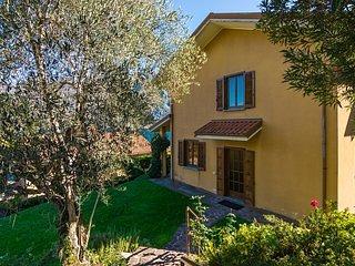 Bellagio Lake View Villa (2B)