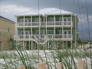 Great Location- Gulf-Front Home w/pool - 'Heavenly Sunset' - Sleeps up to 14.