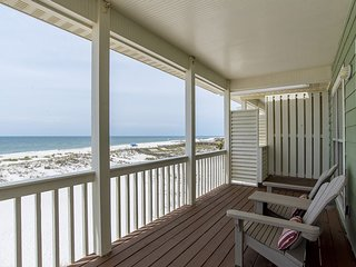 Great Location- Gulf-Front Home w/pool - 'Heavenly Sunrise' - Sleeps up to 14.