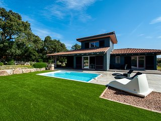 Villa with private pool close to Porto-Vecchio