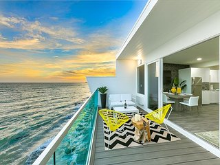NEW LISTING - Amazing Ocean Views, Luxury Accommodations, Sunset Views