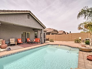 Luxe San Tan Valley Home w/Pool-Near Golf Courses!