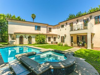 Private Estate w/ Pool & Spa in Prime Hollywood