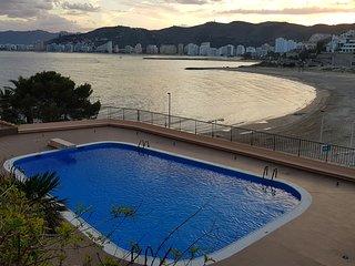 Coqueto apartamento en Cullera, frente al mar mediterraneo.
