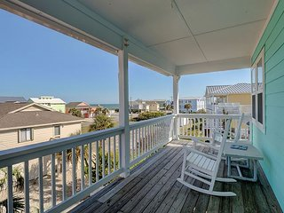 Livin' Simply - Gorgeous 4 bedroom oceanview house, sleeps 10.