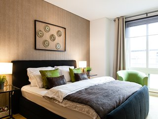 WanderLuxe! OXFORD CIRCUS! 2bed2bath! DESIGN! CLEAN! SAFE! BRIGHT