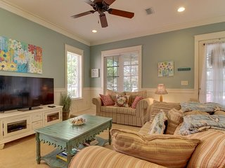 Dog-friendly home w/ screened porch, golf cart, & shared pool - close to beach