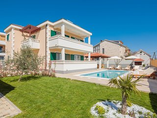 Villa Rosa Ventorum - a comfortable luxury holiday house close to the beach