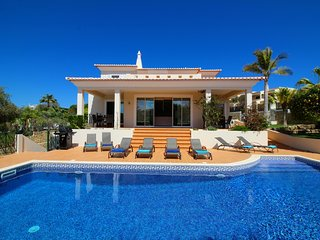 Villa Mar, Luxury, Modern Villa, 4 Bedrooms, Sleeps 8, Large Pool & Table Tennis