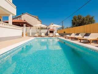 Villa Rosa Ventorum - a comfortable luxury holiday house close to the beach