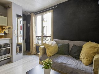 Designed studio in the heart of Paris - W357