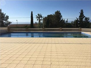 140 - CYE 6 Two bedroom apartment in a quiet area with parking and pool