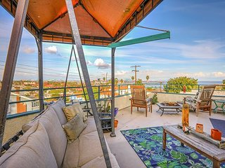 Large 3BR w/ Expansive Patio, BBQ, Fire Pit, Swing & Views, 2 Blocks to Beach