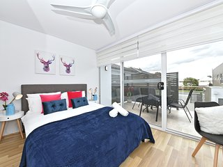 3408 Belmont Apartment close to Perth Airport & City: 3408