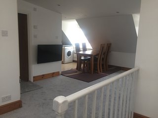 2 bed attic flat in West Ealing, London, sleeps 6