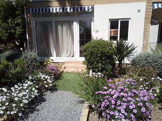 Albir beach apartment,2 bedroom, ground level, ideal location,recently decorated