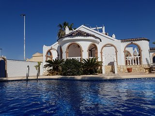 B108 Julia style villa with private pool, sleeps 8