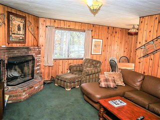 ~Twin Pines~Furnished Family Cabin~Walk To Lake Location~