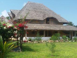Jua Na Mwezi House
