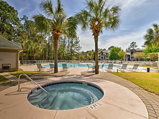 NEW! Pawleys Island Condo w/ Golf Course Views!