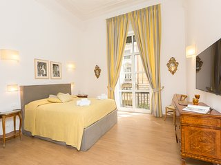 Prestigious Apartment Via Barberini with Balconies