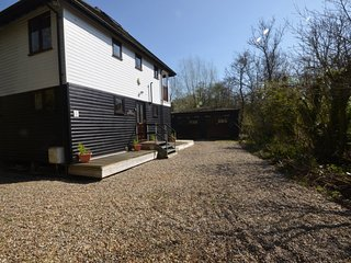 Drakes Dyke, holiday cottage on the River Bure in Wroxham
