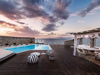 Aristi | 5 bedrooms luxury seafront villa near Mykonos town with sunset view