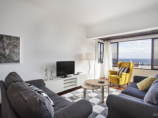 Ilheus I, Spacious apartment in Funchal.