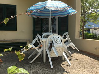 Casa Vacanza a Torre dell'Orso 2 bagni 5/7 posti 300 m sabbia