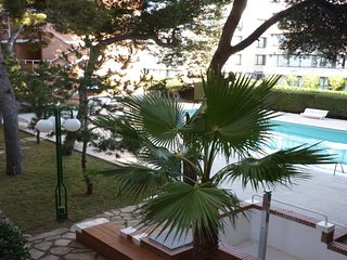 BEACH AND POOL VILANOVA APARTMENT HUTB-015656