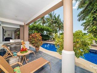 Beachfront, Pool, Lush Gardens, Nearby Restaurants
