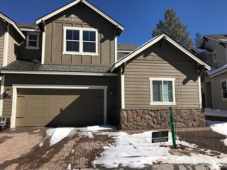 NEW TOWNHOME Nestled in the Ponderosa Pines