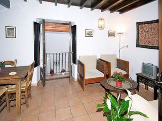 Apartment in the center of Granada with Internet, Air conditioning, Garden, Balc
