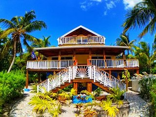 TOP 5-STAR PRIVATE BEACH FRONT HOME ON THE ISLAND!! Best location and pool !!